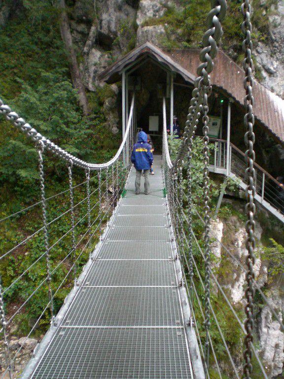 Österreich, Kärnten, Ferlach,  Tscheppaschlucht, Teufelsbrücke, 2007.JPG