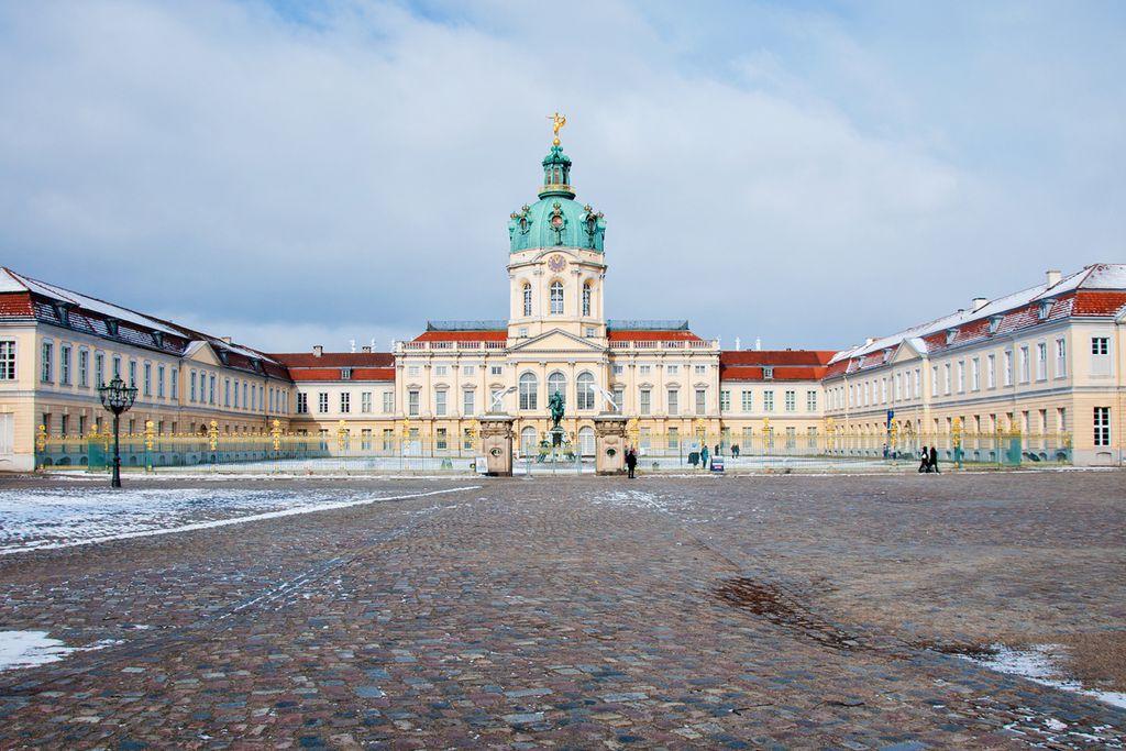 Schloss Charlottenburg: Feiern vor dem Präsidentendomizil