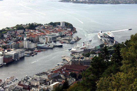Bergen - Bryggen vom Fløyen aus