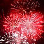 Feuerwerk in Rot