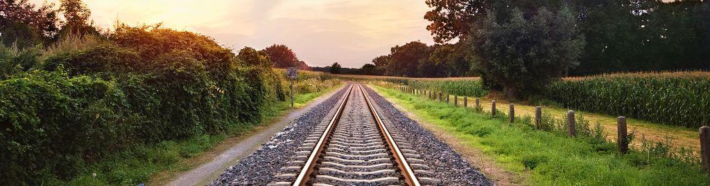 Entspannt anreisen kann man mit der Bahn.