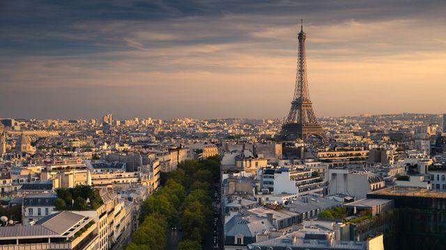 Paris beim Sonnenuntergang