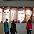 BU und Copyright:  Der unterirdisch gelegene Ort der Information des Denkmals für die ermordeten Juden Europas, © Stiftung Denkmal, Foto: Marko Priske   - Marko Priske