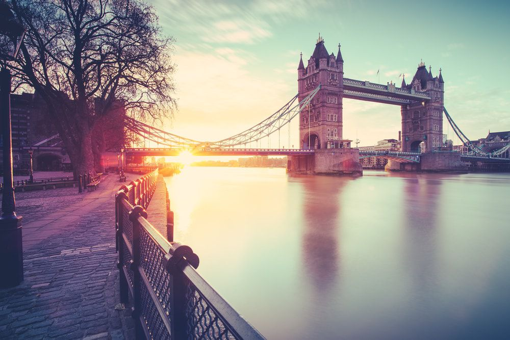 Tower Bridge bei Sonnenaufgang