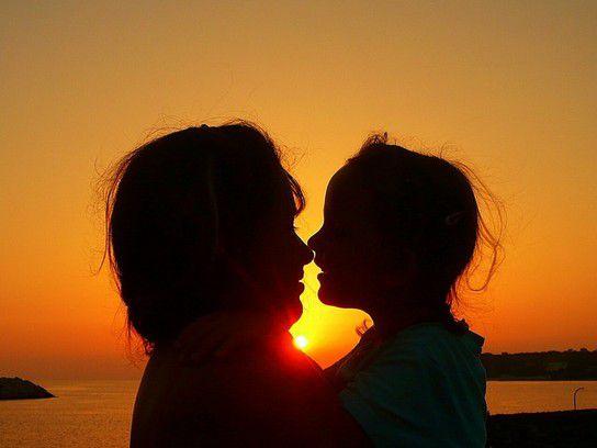 Meine zwei Mädels im Sonnenuntergang
