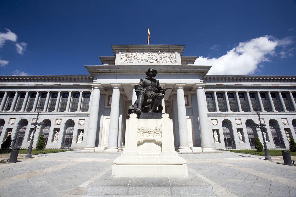 Velazquez-Denkmal vor dem Museo del Prado