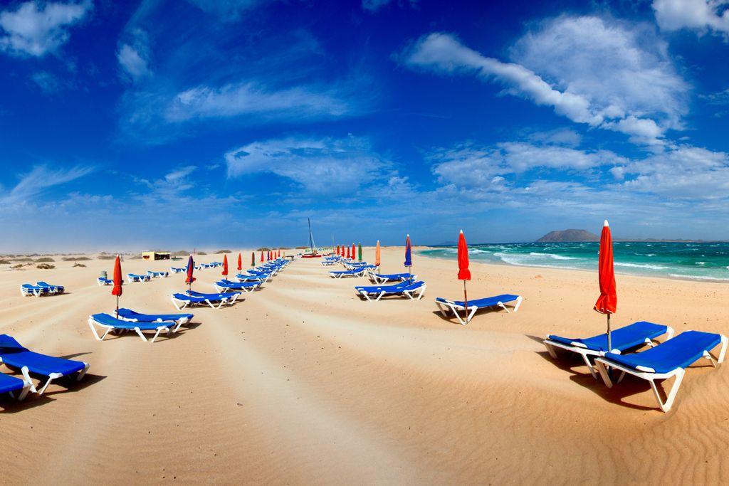 Fuerteventura lockt mit kilometerlangen Stränden