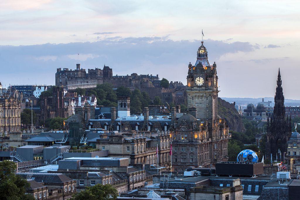 Stadtzentrum vor dem Edinburgh Castle