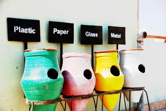 Farbenfrohe Mülltrennung