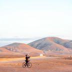Hervorragende Aussicht: Radfahrer in der Nähe von El Cotillo.