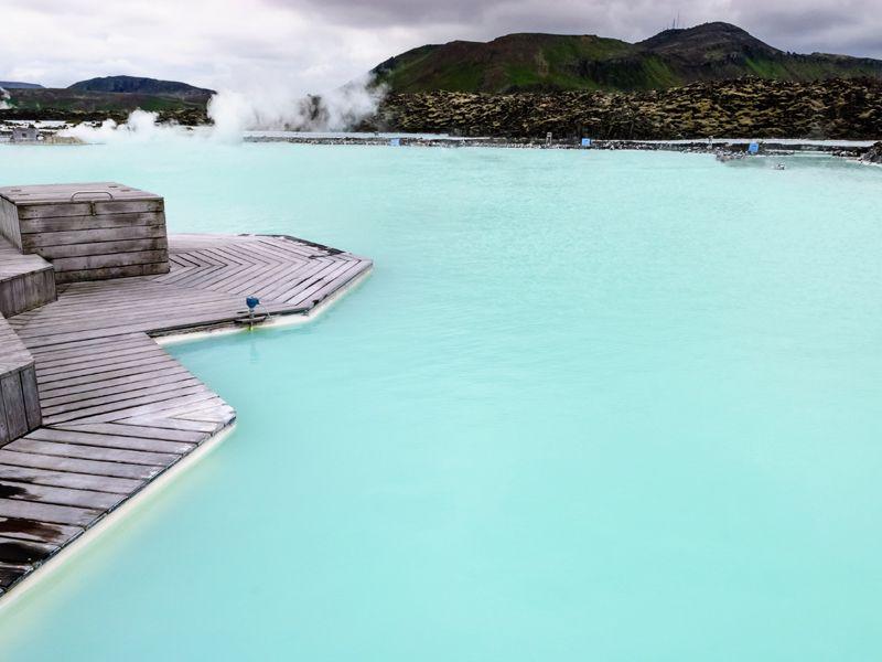 Die blaue Lagune im isländischen Grindavík ist ein weltweit einmaliges Naturphänomen