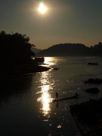 Laos - Luang Prabang - Fischen im Sonnenuntergang
