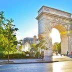 Washington Square Park im Sonnenschein