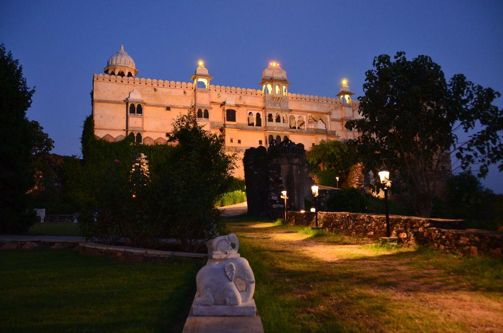 Das Karni Fort in der blauen Stunde